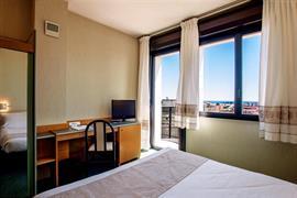 98154_006_Guestroom