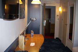 93554_004_Guestroom