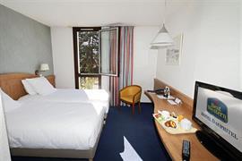 93554_005_Guestroom
