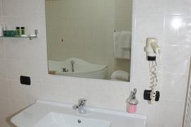 98339_007_Guestroom