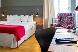88192_001_Guestroom