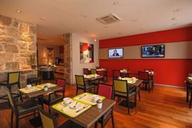 93645_006_Restaurant