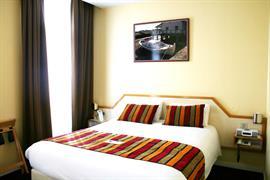 93671_003_Guestroom