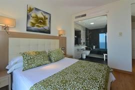 92221_007_Guestroom