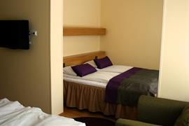 91088_006_Guestroom