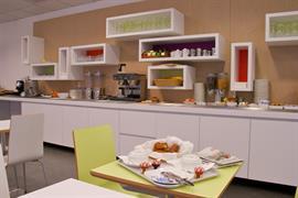 93845_005_Restaurant