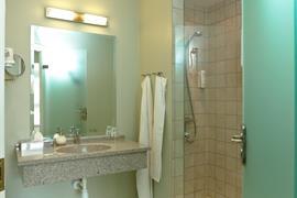 96026_005_Guestroom