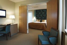 96026_006_Guestroom
