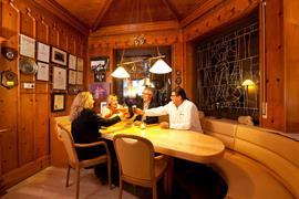95487_006_Restaurant
