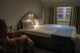 88169_003_Guestroom