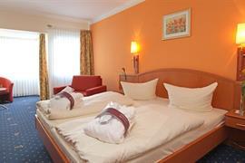 95467_003_Guestroom