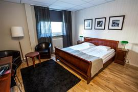 88210_004_Guestroom
