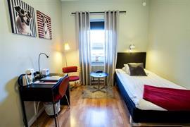 88210_005_Guestroom