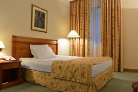 89900_004_Guestroom