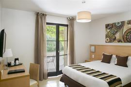 93814_002_Guestroom