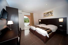 93814_004_Guestroom