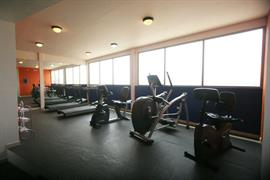 70135_006_Healthclub
