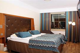 91108_003_Guestroom