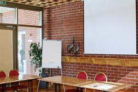 91108_003_Meetingroom