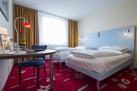 95327_003_Guestroom