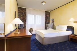 95240_002_Guestroom