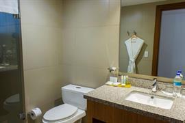 70207_005_Guestroom