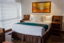70207_006_Guestroom