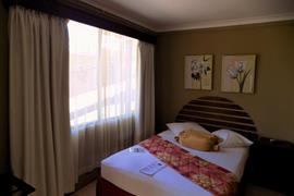 70618_003_Guestroom
