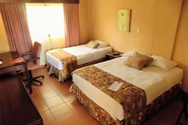 70618_006_Guestroom