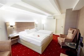 95025_005_Guestroom
