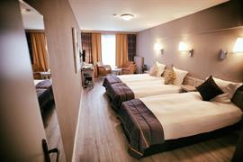 92627_001_Guestroom