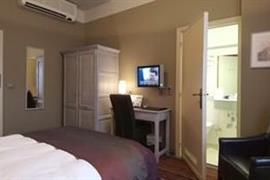 92627_002_Guestroom