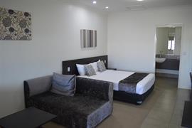 97408_001_Guestroom