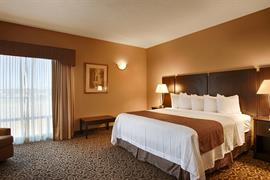 19077_002_Guestroom