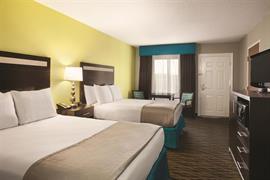 41063_006_Guestroom