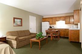 44446_007_Guestroom