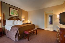 44335_005_Guestroom