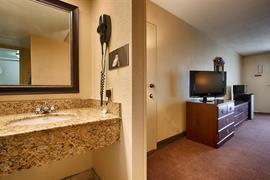 44335_007_Guestroom