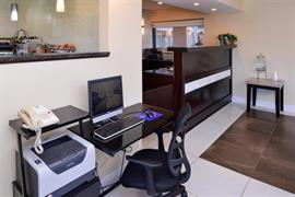 14038_002_Businesscenter