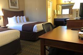 05251_005_Guestroom
