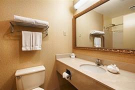 38107_005_Guestroom