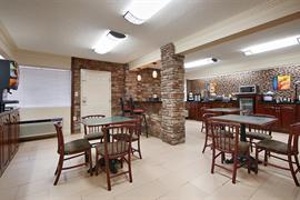11133_006_Restaurant