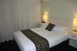 97374_001_Guestroom