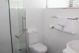 97374_006_Guestroom