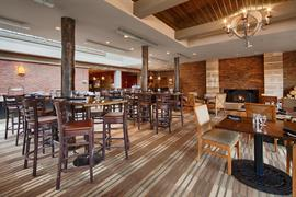 61073_006_Restaurant
