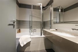 98366_005_Guestroom