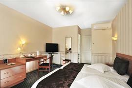 93550_004_Guestroom