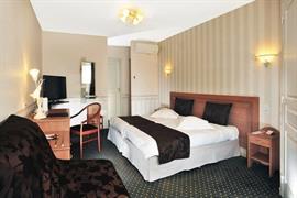 93550_005_Guestroom