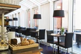 88161_001_Restaurant