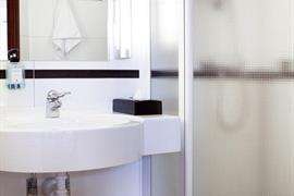 88161_007_Guestroom